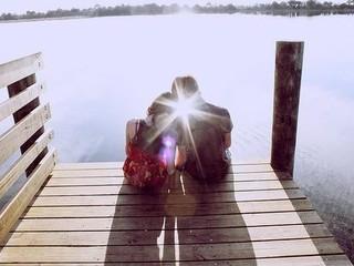 有时候,因为浅爱会走在一起,相守一辈子